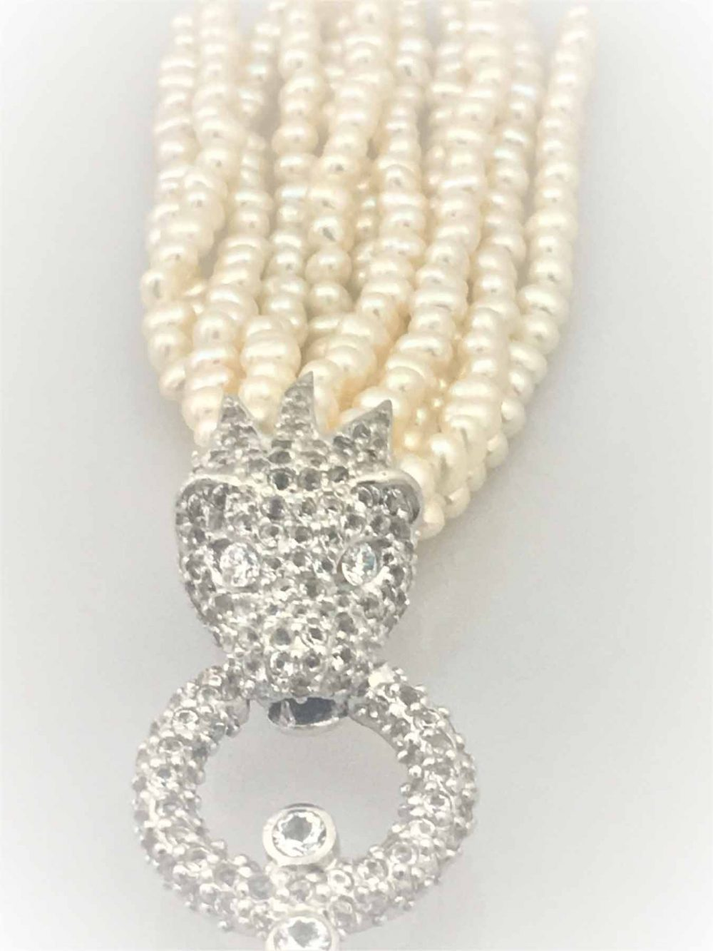 STG Silver Necklace with a Small White Topaz encrusted Lionhead & Seed pearls (70cm)
